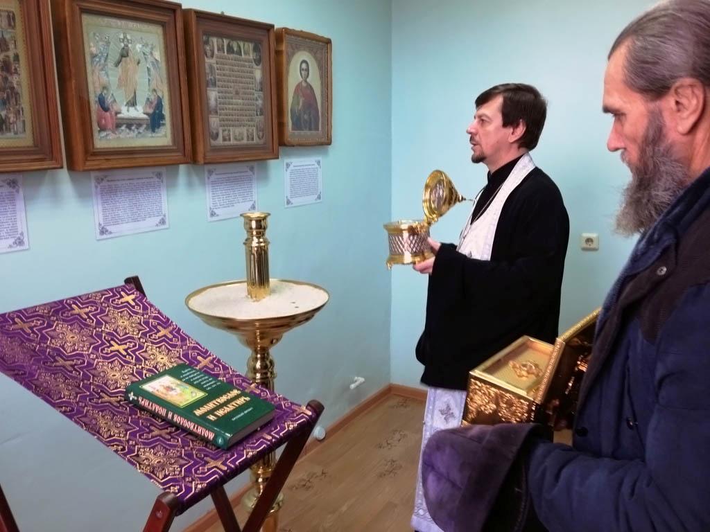 В паллиативное отделение больницы ст. Казанской доставили святыни для поклонения