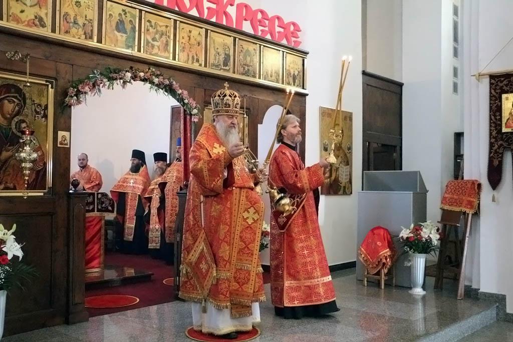 Пасхальная вечерня архиерейским чином, 11 апреля 2018 года, Свято-Никольский храм станицы Кавказской