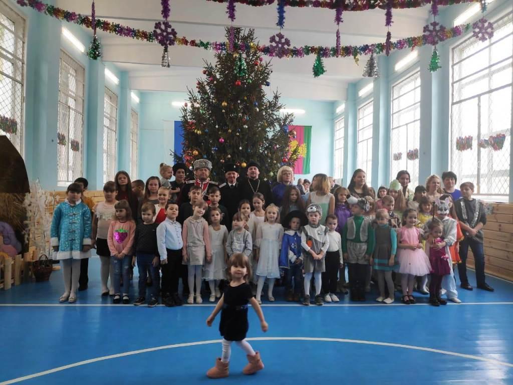 7 января в станице Казанской состоялась рождественская атаманская елка